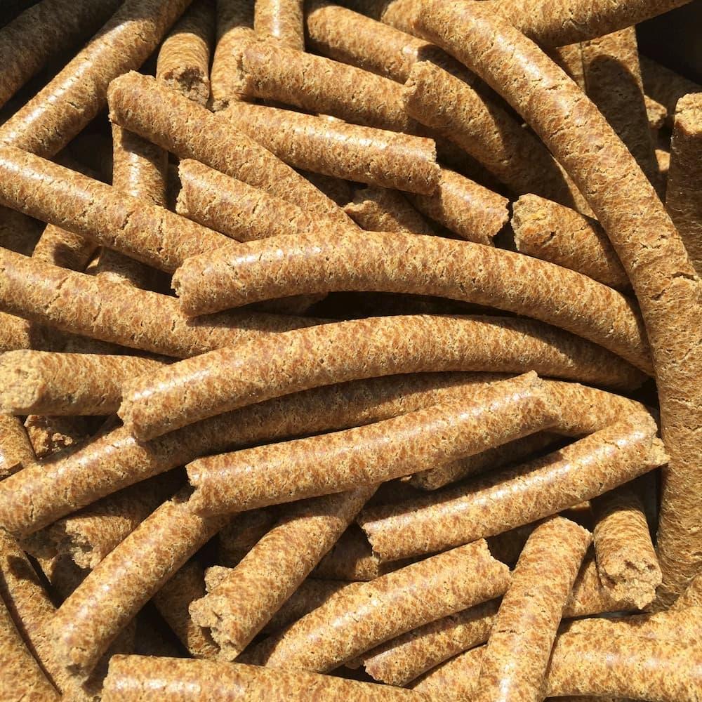Bio Leinpellets/ Leinpresskuchen/ Leinsamenpellets - gold