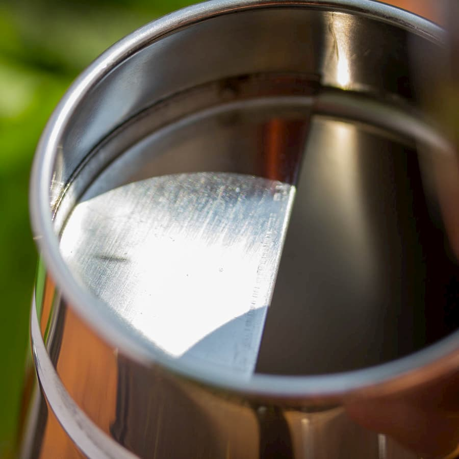 Ölbehälter/ Ölkanne 900ml aus Edelstahl Inox
