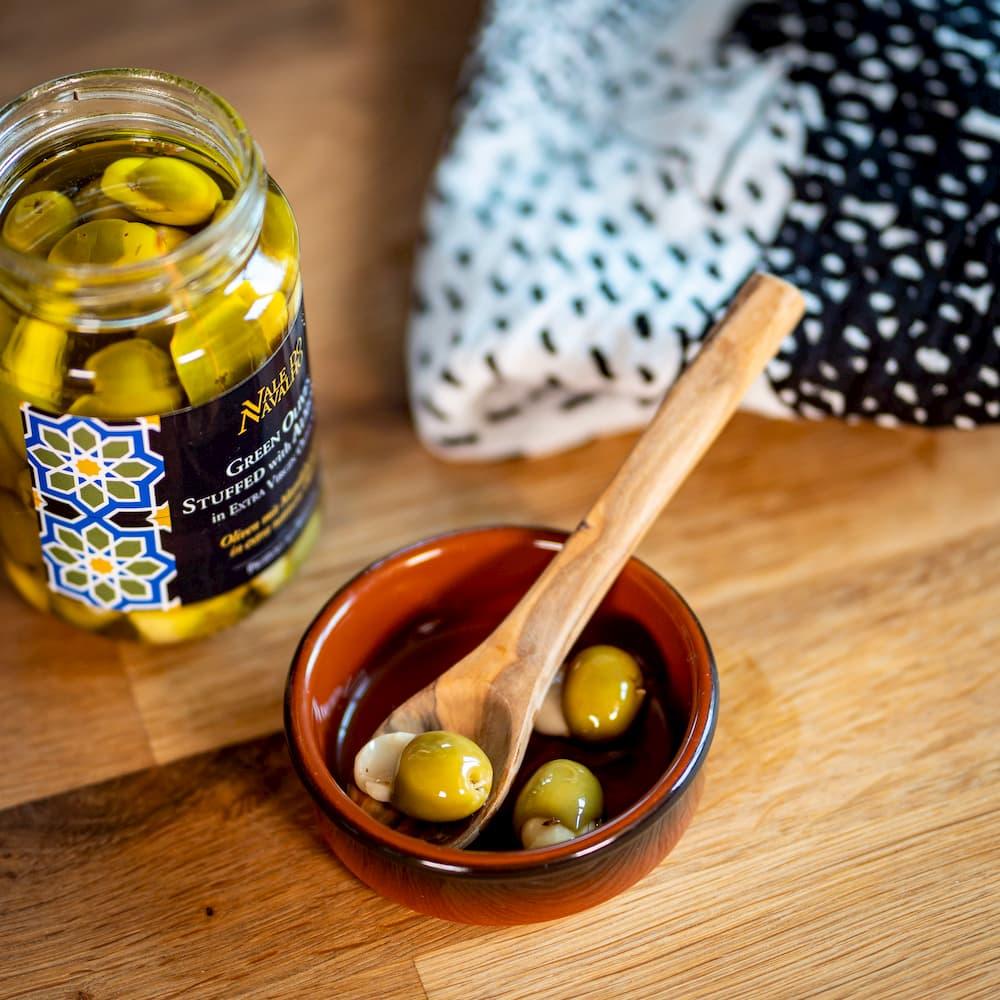 Oliven mit Mandeln gefüllt in nativem Olivenöl extra - Portugal