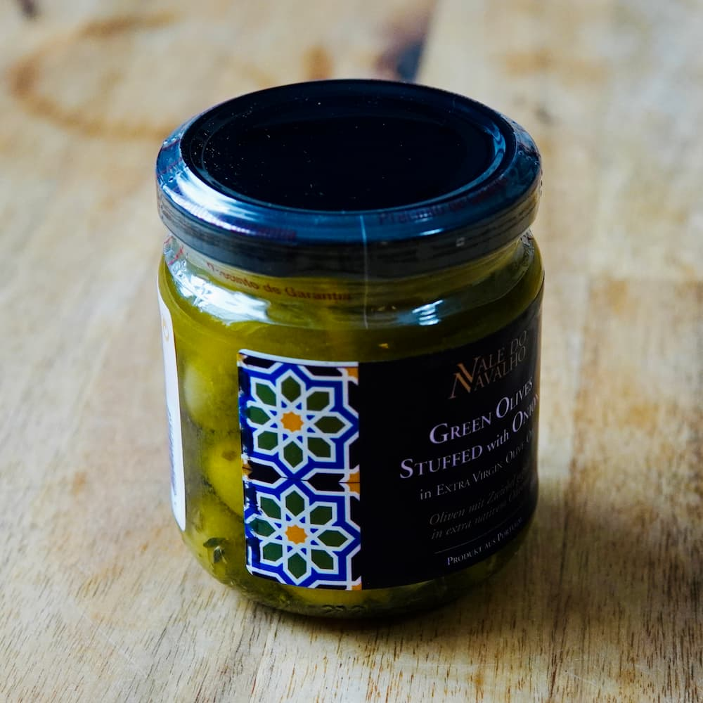 Oliven mit Zwiebeln gefüllt in nativem Olivenöl extra - Portugal